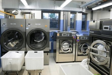 Máy giặt công nghiệp cửa trước 3